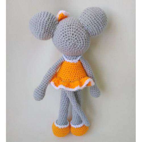 Вязаная игрушка Мышка-девочка